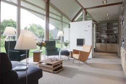 Den Ham 05: moderne Woonkamer door hamhuis architecten