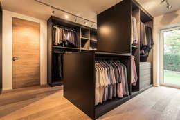 Dressing de style de style Moderne par Meissl Architects ZT GmbH