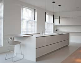 ''Wonen op het mooiste plekje in Amsterdam'': moderne Keuken door meesderwerk