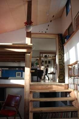 Réhabilitation et extension d'une ancienne maison de pêcheur des années 1930: Cuisine de style de style Classique par atelierfrancoisberthe