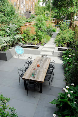 Josh Ward Garden Design: modern tarz Bahçe