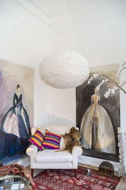 Salas de estilo asiático por Light & Store