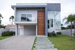 Casas de estilo moderno por Pau Brasil