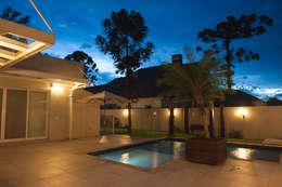 modern Houses by Pau Brasil