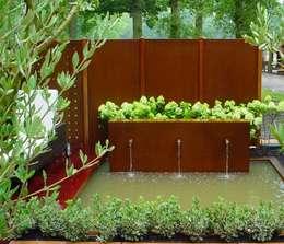 realisations: Jardin de style de style Moderne par MARTINELLI LUCE