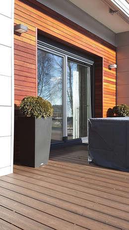 Jardines de estilo moderno por Biuro Projektów MTM Styl - domywstylu.pl