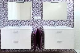 Salle de bains de style  par acertus