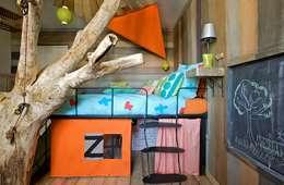 Lit pour enfant avec cabane intégré: Chambre d'enfants de style  par Tabary Le Lay