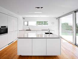 Haus C / Mainz: moderne Küche von Lennart Wiedemuth / Fotografie