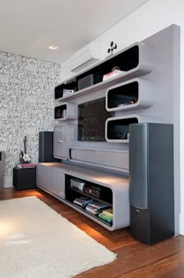 Salle multimédia de style  par Figoli-Ravecca Arquitetos Associados