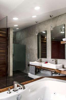 حمام تنفيذ Oscar Hernández - Fotografía de Arquitectura