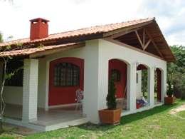 Fachada casa: Casas coloniais por Mina Arquitetura & Construções