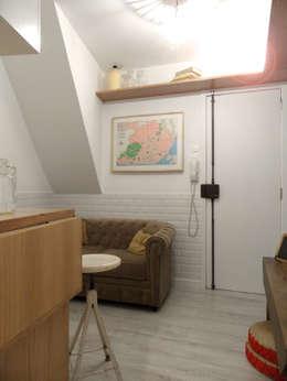 Salas de estilo mediterráneo por BL Design Arquitectura e Interiores