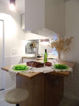 Comedores de estilo mediterráneo por BL Design Arquitectura e Interiores