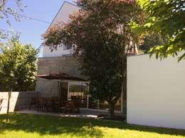 Casas de estilo moderno por Bárbara abreu Arquitetos