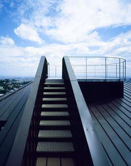 Koridor dan lorong by Guen BERTHEAU-SUZUKI  Co.,Ltd.