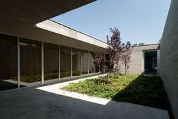 Jardines de estilo mediterraneo por Osa Architettura e Paesaggio