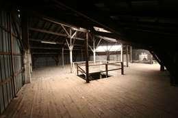 Avant le rénovation : Garage / Hangar de style de style eclectique par Tabary Le Lay