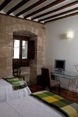 Projekty,  Sypialnia zaprojektowane przez Ignacio Quemada Arquitectos