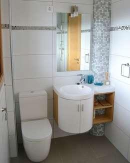 Baños de estilo minimalista por M2BT
