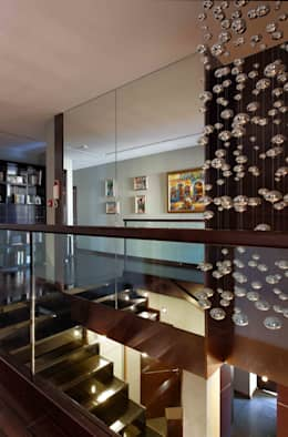 Балкон, веранда и терраса в . Автор – homify