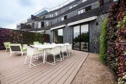 Oficinas Corporativas - Terraza: Terrazas de estilo  por Ofis Design
