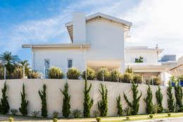 Casas de estilo colonial por MM Arquitetura e Urbanismo