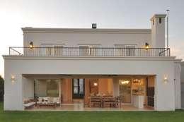 klasieke Huizen door Parrado Arquitectura