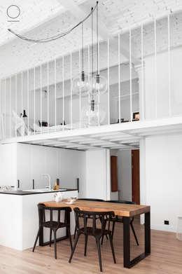 Cocinas de estilo industrial por OIKOI