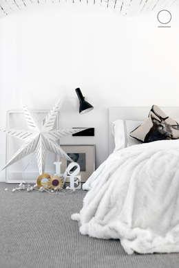 Loft w Łodzi : styl , w kategorii Sypialnia zaprojektowany przez OIKOI