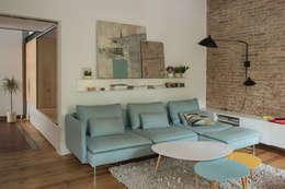 modern Living room by degoma
