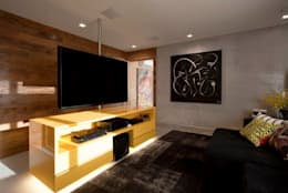 Salas de entretenimiento de estilo moderno por Marcelo Rosset Arquitetura