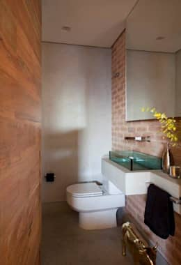 Projekty,  Łazienka zaprojektowane przez Marcelo Rosset Arquitetura