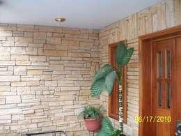 Casas de estilo clásico por ENFOQUE CONSTRUCTIVO