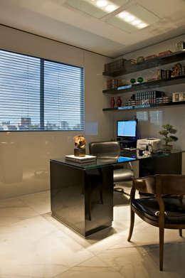 Cassio Gontijo Arquitetura e Decoração: modern tarz Çalışma Odası