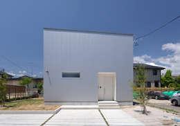Casas de estilo moderno por 株式会社ブレッツァ・アーキテクツ
