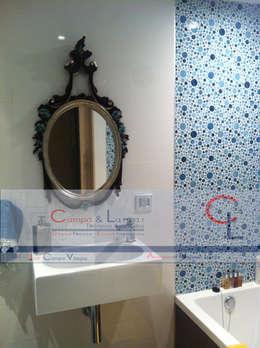 Baños de estilo  por Campa & Lamar Técnicos Asociados S.L.