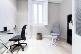minimalistic Study/office by  Simona Garufi