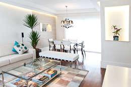 Salas: Salas de estar modernas por Cristina Reyes Design de Interiores