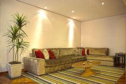 modern Living room by Cristina Reyes Design de Interiores