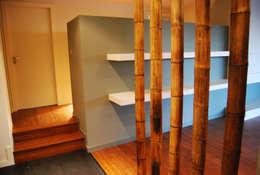 Pasillos y recibidores de estilo  por Teresa Pinto Ribeiro   Arquitectura  