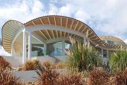 modern Houses by Stephan Wächter Architekt Bausachvertändiger Spanien