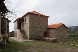 André Eduardo Tavares Arquitecto: kırsal tarz tarz Evler