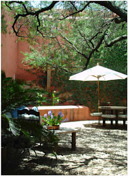 Finca el Rosario, El Marqués, Qro.: Jardines de estilo mediterraneo por Hábitas