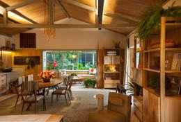 Salas / recibidores de estilo topical por Marina Linhares Decoração de Interiores