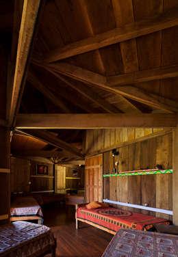 Comuna Yerbas del Paraiso - Misiones: Dormitorios de estilo rural por IR arquitectura