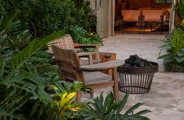 Casa Cor 2015/ A Casa da Gente: Jardins tropicais por Marina Linhares Decoração de Interiores