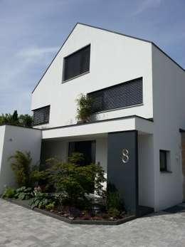 Casas de estilo moderno por moser straller architekten