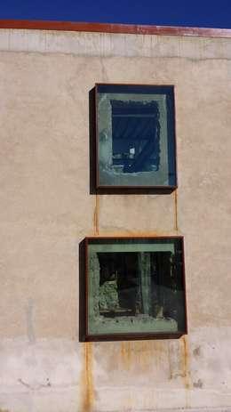 Projekty,  Ściany zaprojektowane przez Tagarro-De Miguel Arquitectos