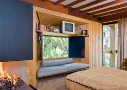 Projekty,  Sypialnia zaprojektowane przez Carlos Bratke Arquiteto